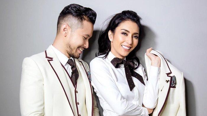 Foto prewedding dari Tyas Mirasih dan Raiden Soedjono.