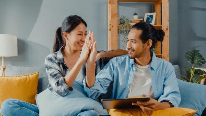 Ini yang Bisa Kamu Lakukan saat Pasangan Meraih Mimpinya, Apa Saja?