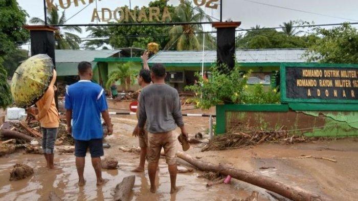 Presiden Jokowi Pastikan Logistik untuk Pengungsi Bencana NTT Tercukupi