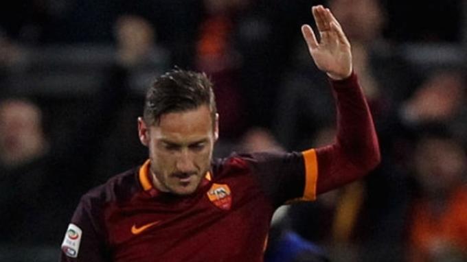 AS Roma tak Tawari Kontrak Baru ke Francesco Totti