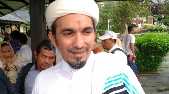 Ketua Umum Front Pembela Islam (FPI) Sobri Lubis.