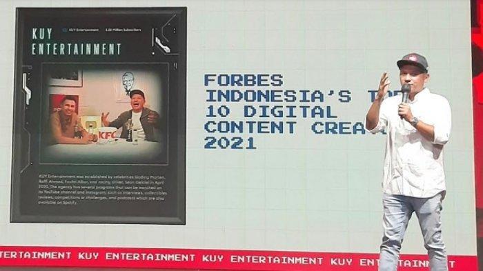 Gading Marten dalam jumpa pers perayaan ulang tahun Ke-1 KUY Media Group, di kawasan Fatmawati, Jakarta Selatan