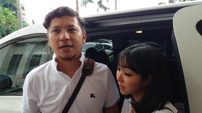 Gading Marten dan istrinya Gisela Anastasia saat ditemui di RSCM, Jakarta Pusat, Jumat (3/3/2017).