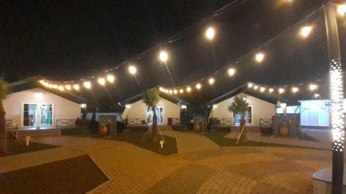 Suasana malam hari zona 2 Rumah Lawan Covid-19 Tangsel, Serpong, Rabu (3/3/2021).