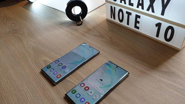 Galaxy Note 10 Plus yang dipamerkan dalam acara pengumuman pre-order di Indonesia