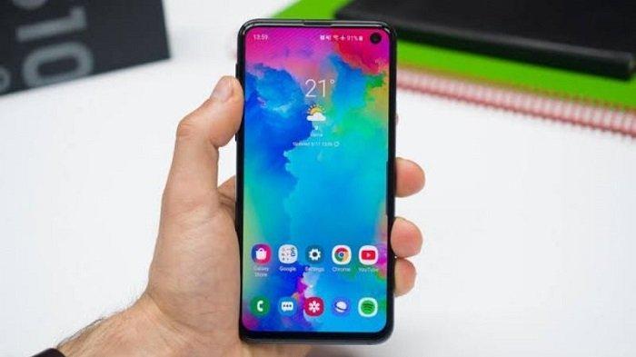 Galaxy S10 Lite (PhoneArena)