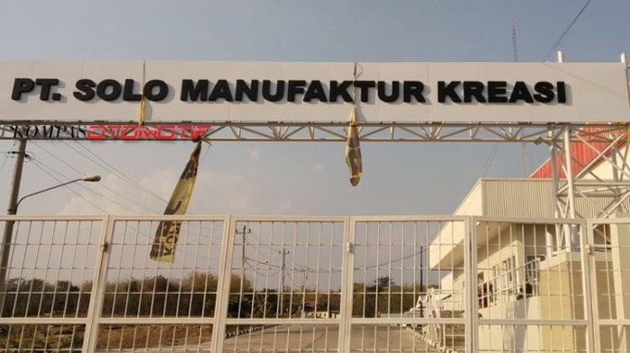 Gambar gerbang pintu masuk PT Solo Manufaktur Kreasi (Esemka)