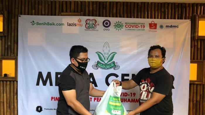 Gandeng Ormas, BenihBaik.com Salurkan Donasi Konser Amal
