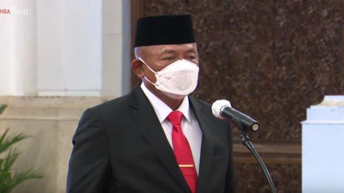 Presiden Joko Widodo (Jokowi) resmi melantik Letnan Jenderal TNI Ganip Warsito sebagai Kepala Badan Nasional Penanggulangan Bencana (BNPB).