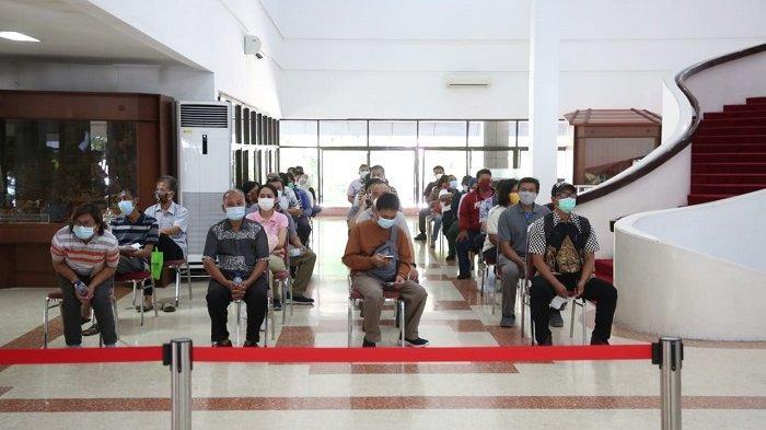 Ganjar Pranowo Berhasil Tertibkan Antrean Vaksinasi di Sentra Gradhika Jawa Tengah Dalam Satu Jam