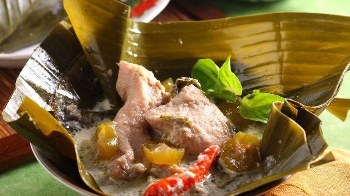 Garang Asem Ayam.
