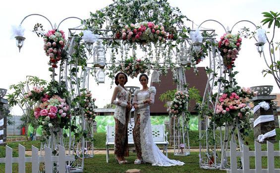 pernikahan di taman disukai pengantin karena bisa keluyuran