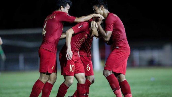 Pemain Timnas U-22 Indonesia, Egy Maulana melakukan selebrasi seusai mencetak gol ke gawang Brunei Darussalam dalam pertandingan Grup B SEA Games 2019 di Stadion Sepak Bola Binan, Laguna, Filipina, Selasa (3/12/2019). Timnas Indonesia menang 8-0 dari Brunei Darussalam.(KOMPAS.com/GARRY LOTULUNG)