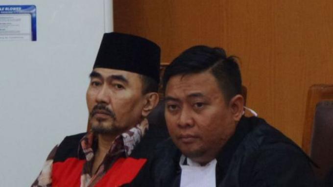 Saksi Korban Menangis Ceritakan Kronologi Kejadian di Persidangan Gatot Brajamusti