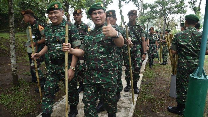 Tradisi Puncak Tidar Jelang Wisuda Purnawira Pati TNI AD di Akmil Magelang