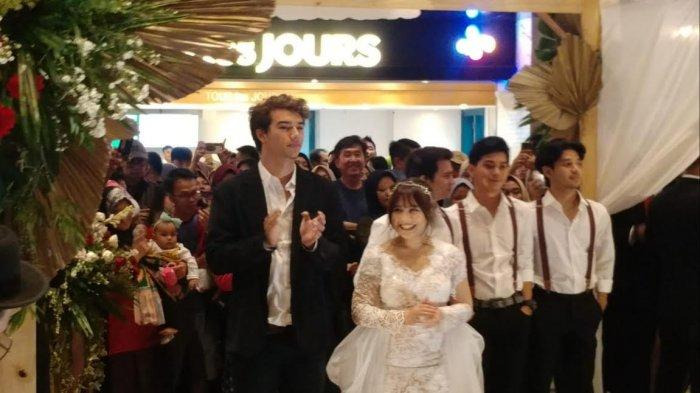 Prilly Latuconsina di acara peluncuran 'Get Married' series di CGV Grand Indonesia di Jakarta Pusat, Minggu (16/2/2020).