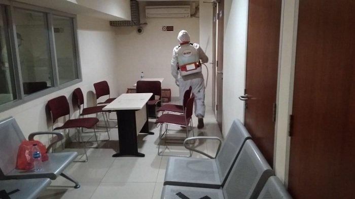 Cegah Penularan Covid-19, Gedung KPK Disemprot Disinfektan