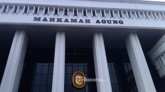 Gedung Mahkamah Agung di Jalan Medan Merdeka Utara No 9-13, Jakarta, Senin (15/2/2016). Tribunnews.com/Abdul Qodir