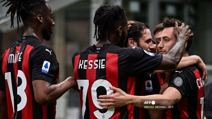 HASIL LIGA ITALIA: Inter KW Gagal Geser AC Milan, Drama 7 Gol Warnai Pembantaian Napoli atas Lazio