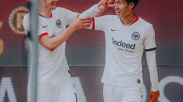 Hasil Bundesliga: Gol Telat Gelandang Asal Jepang Bawa Eintracht Frankfurt Kalahkan Wolfsburg