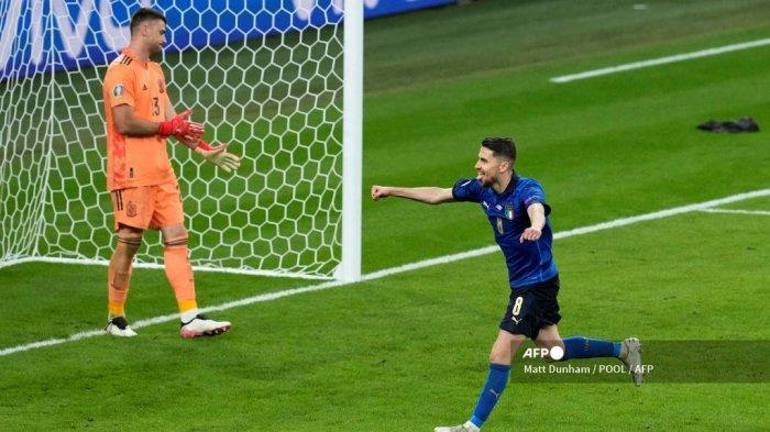 Jorginho Usai Cetak Gol Penalti Spaktakuler Dapat Perhatian Maurizio Sarri, Layak Terima Ballon d'Or