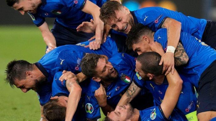 HASIL Euro 2020 - Italia Pesta Gol ke Gawang Swiss, Immobile & Locatelli Catatkan Rekor Mentereng