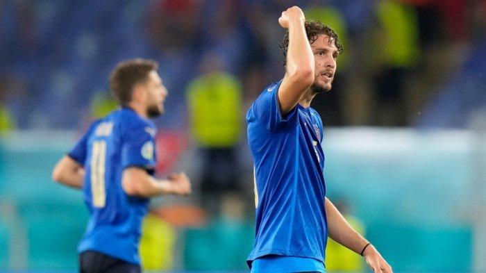 Euro 2020 - Italia Melaju ke 16 Besar, Locatelli dan Barella Malah 'Perang' Sendiri