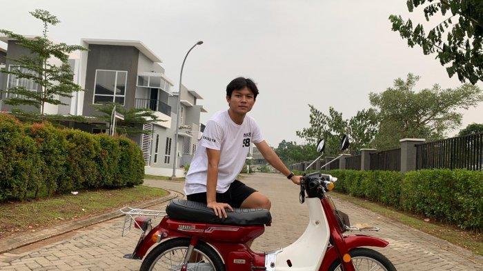 Liga 1 2020 Tak Kunjung Bergulir, Hobi Motor Klasik Jadi Pelipur Lara Reksa Maulana