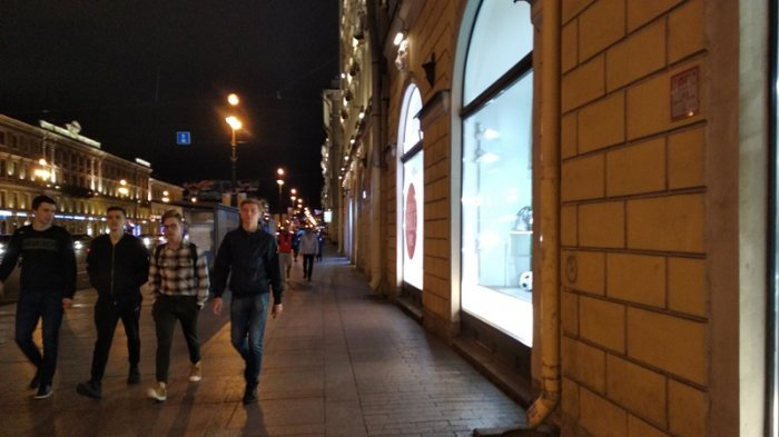 Geliat Nevsky Prospekt Tiada Henti Meski Berganti Hari
