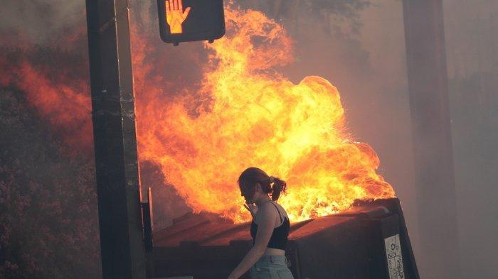 Kerusuhan di AS Meluas, Bangunan Sekitar Gedung Putih Dibakar Pengunjuk Rasa, Jam Malam Diberlakukan