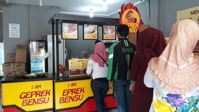 Geprek Bensu di Jalan Margonda, Depok, Sabtu (30/12/2017).