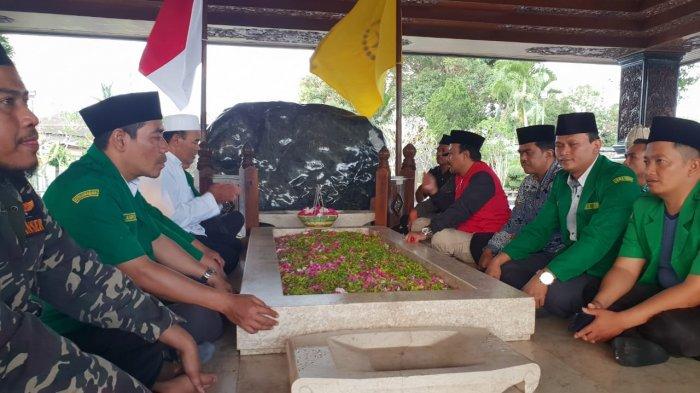 Di Depan Makam Proklamator, Ansor dan Banser Tegaskan NKRI Sudah Final