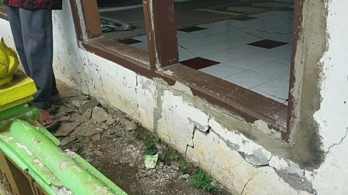 Pergerakan Tanah di Kabupaten Tasikmalaya, 84 Rumah dan Satu Masjid Rusak