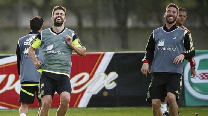 Del Bosque: Sangat Rumit Persatukan Pique dan Sergio Ramos