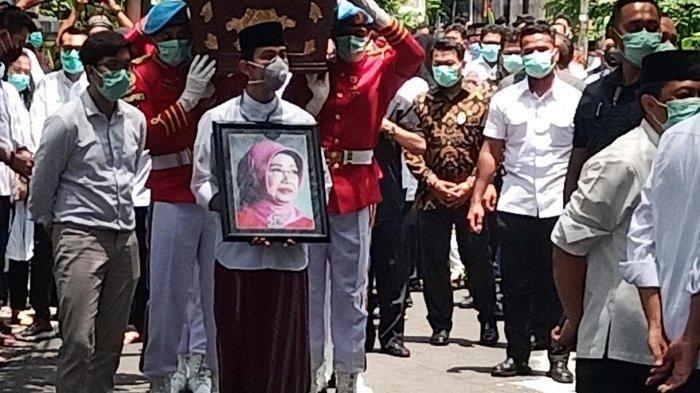 Sang Nenek Sudjiatmi Notomihardjo Meninggal Dunia, Kaesang Ungkap Penyesalan
