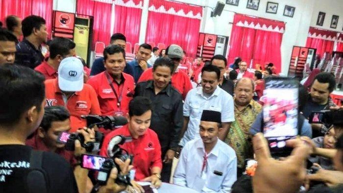 Gibran Rakabuming Raka dan Razali Ismail Ubit di Kantor PDIP Jawa Tengah.