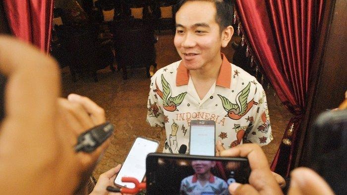 Gibran Rakabuming Tanggapi Postingan Veronica Koman soal Patung yang Berada di Belakang Jokowi