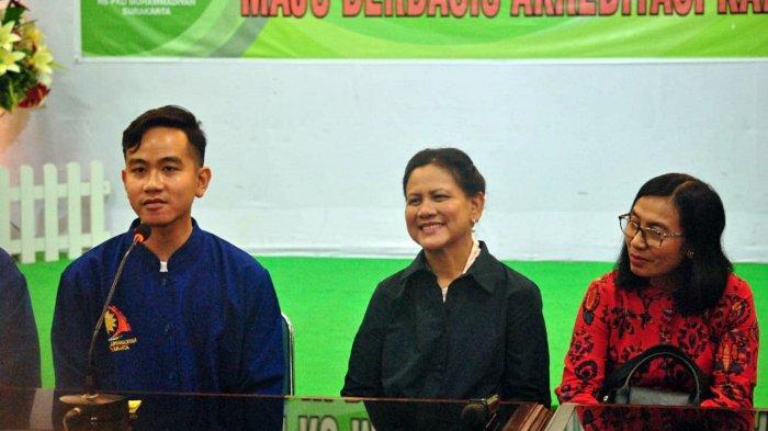Gibran Rakabuming Raka saat konferensi pers terkait proses persalinan anak kedua Selvi Ananda di RS PKU Muhammadiyah Solo, Jumat (15/11/2019).