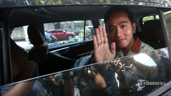 Gibran Terus Berjuang Jadi Calon Wali Kota Solo : PDIP Solo Menolak, Pilih Daftar Lewat Jateng