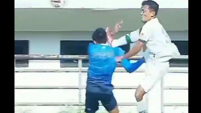 Aksi-Aksi Kekerasan di Dua Laga Ujicoba Liga 1, Kaki Mampir ke Kepala, Nyaris Adu Jotos di Lapangan