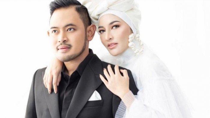 Tampil Fashionable, Gilang Widya Pramana Punya Desainer Andalan