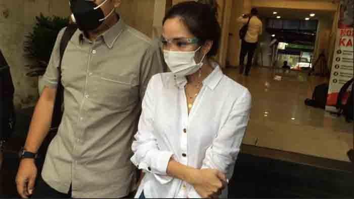 Pasrah, Gisel Ngaku Hanya Bisa Berdoa soal Kelanjutan Kasus Video Syurnya: Tolong Bantuin Ya Tuhan