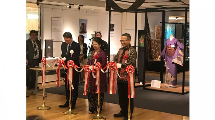 Kolaborasi Seni Kimono Jepang dengan Seni Batik Indonesia Dipamerkan - gkbraa-paku-alam-x_20180703_144427.jpg