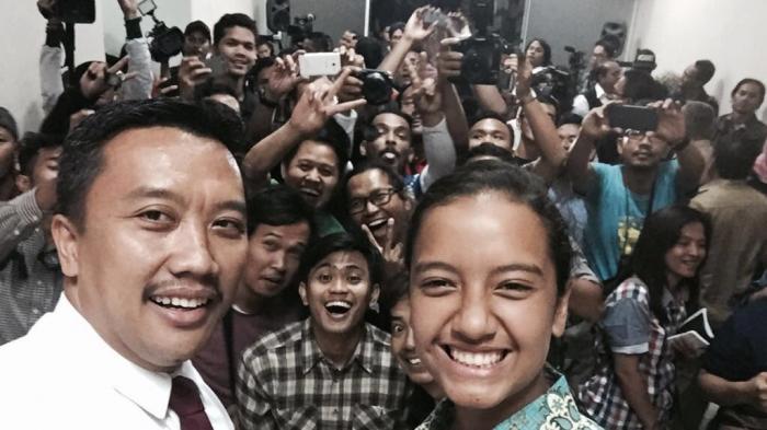 Menpora Potong Rambut, Tandai Perolehan Emas Indonesia untuk Bulutangkis