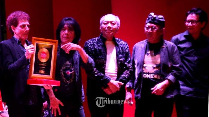 Chord Gitar Lirik Lagu Rumah Kita God Bless Lengkap Dengan Link Download Mp3 Tribunnews Com Mobile