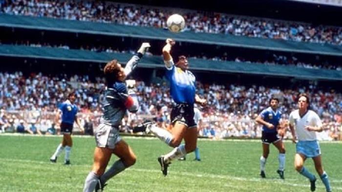 Eks Timnas Inggris Diburu Banyak Orang Gara-agar Jersey Legendaris Maradona