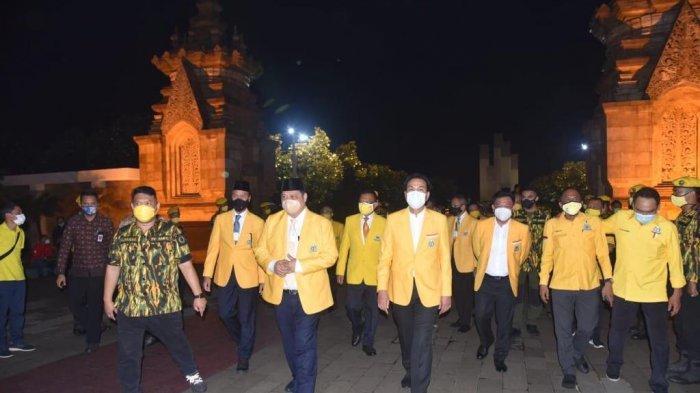 HUT Ke-56, Partai Golkar Adakan Ziarah Rombongan di Makam Pahlawan
