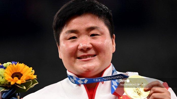 Menang Medali Emas Olimpiade, Atlet Tolak Peluru Tiongkok Dapat Perlakuan Tak Menyenangkan