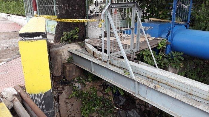 Mayat Pria Ditemukan di Dalam Gorong-gorong Kali Sunter, Polisi Pasang Police Line