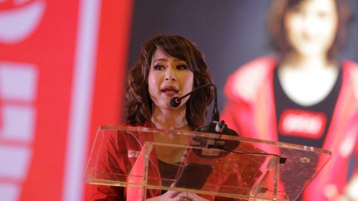 """Ketua Umum Partai Solidaritas Indonesia (PSI) Grace Natalie dalam pidato politik berjudul """"Beda Kami-PSI-dengan Partai Lain"""" di Festival 11 di Medan, Sumatra Utara, pada Senin (11/3/2019)"""